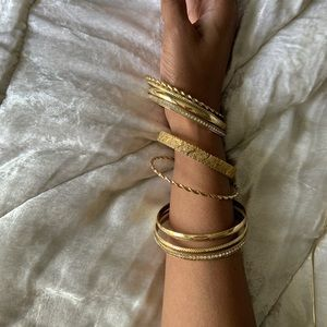 Vintage Jewelry - Vintage mix of bracelets
